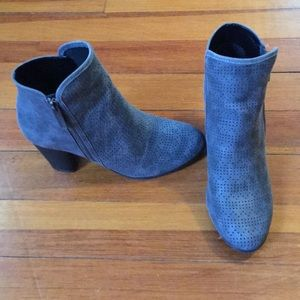 Qupid Ankle Booties Sz 9